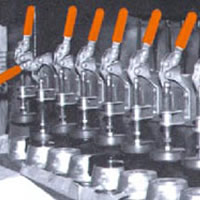 Example-toggle clamp